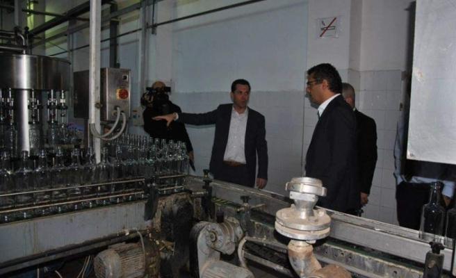 Erhürman, içki üretim tesislerini ziyaret etti