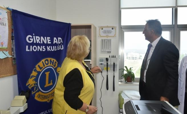 Girne Ada Lions Kulübü'nden Dr. Burhan Nalbantoğlu Çocuk Onkoloji Servisi'ne cihaz bağışı