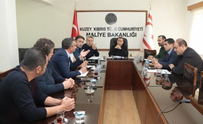 """Maliye Bakanlığı'nda, kamuda yetkili 3 sendika ile """"uzlaşı masası"""