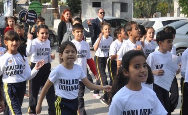 Öğrenciler Milli Eğitim Bakanlığına yürüdü