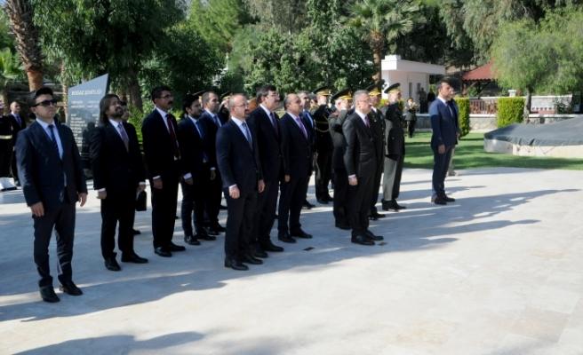 TC Cumhurbaşkanı Yardımcısı Oktay, Boğaz Şehitliği'ni ziyaret etti