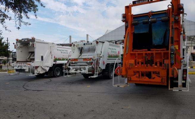 6 yeni çöp toplama aracı satın aldı