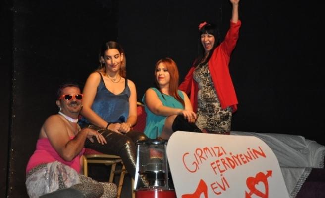 """""""Bas Da Gel Anam Bas Da Gel"""" adlı komedi oyununu sanatseverlerle"""
