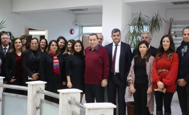 Denktaş, bakanlık personelinin yeni yılını kutladı