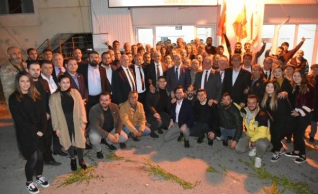 Ersin Tatar, Lefke İlçe Örgütü'nü ziyaret etti