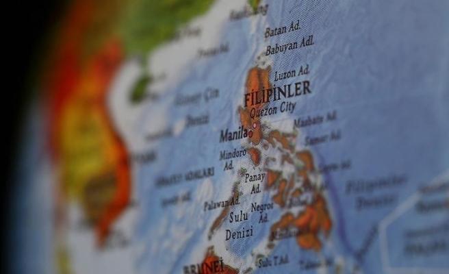 Filipinler'de 7 büyüklüğünde deprem