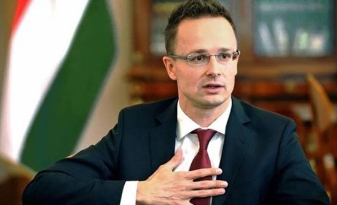 Macaristan Dışişleri Bakanı Güney Kıbrıs'ta