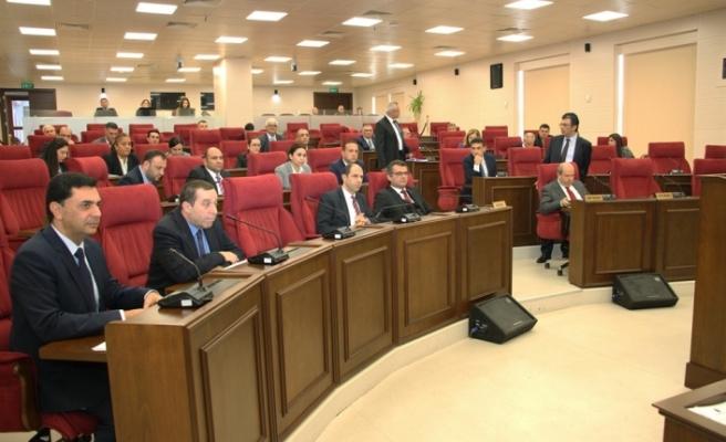 Meclis, Uluçay başkanlığında toplandı