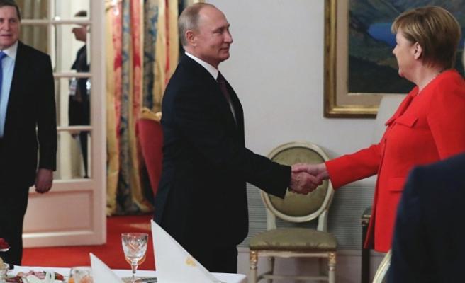 Merkel ve Putin Suriye konusunu görüştü