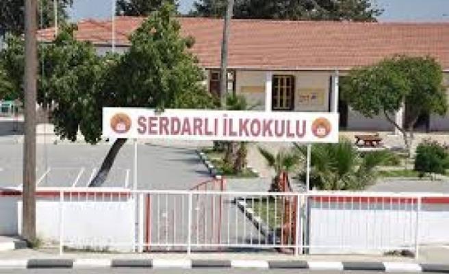 Serdarlı İlkokulu'na yıldırım düştü
