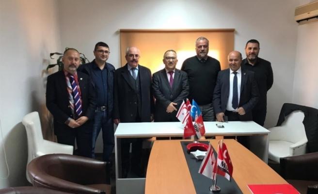 """Aktaç Atai,""""Doğu Türkistan Sürgün Hükümeti KKTC sembolik temsilcisi"""" olarak görevlendirildi"""