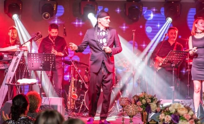 Altay, Kıbrıs'ta sahne aldı
