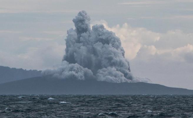 Anak Krakatau Yanardağı'nda bir günde 37 patlama oldu
