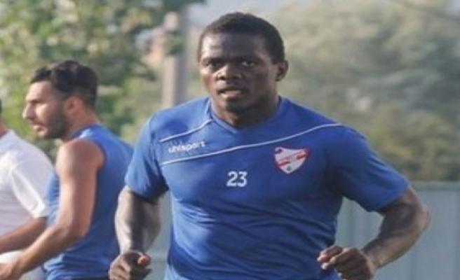 Cihangir, denemeye aldığı yabancı futbolcu Henri Belle ile anlaştı