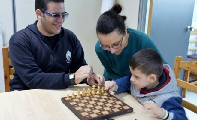 Engelsiz satranç takımı çalışmalara başladı