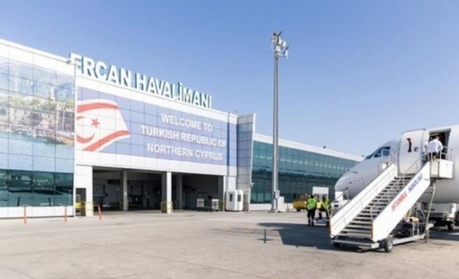 Ercan Havalimanı'na ilk uçağın inişi