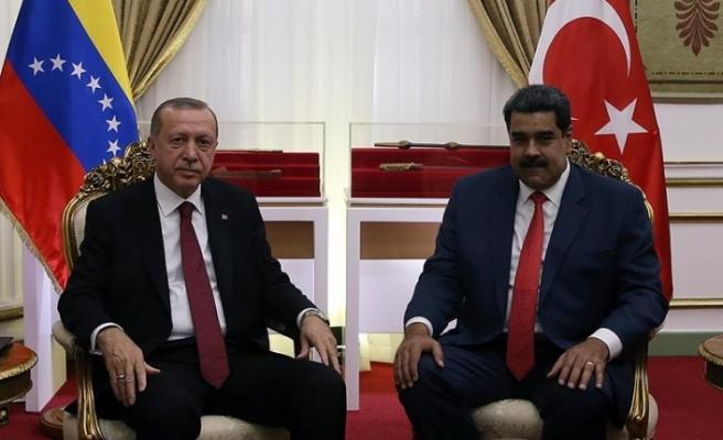 Erdoğan'dan Maduro'ya destek
