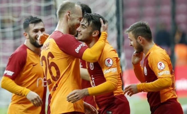 Galatasaray, gençlerle tur atladı