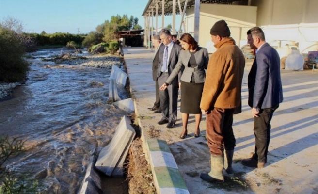 İçişleri Bakanı, Güzelyurt ve Lefke ilçelerinde incelemelerde bulundu