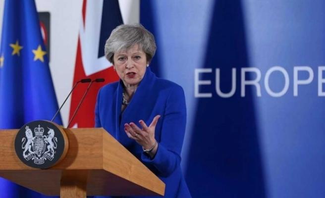 """İngiltere'de hükümete """"anlaşmasız Brexit"""" darbesi"""