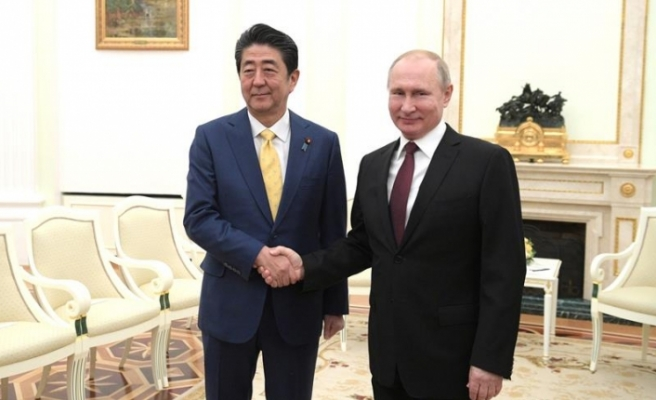 Japonya Başbakanı Şinzo Abe'den Rusya ile barış sözü