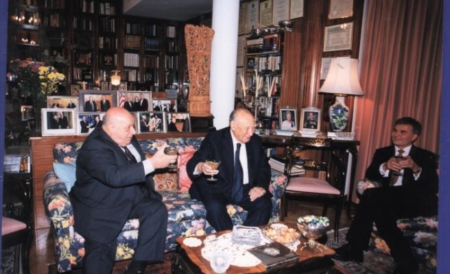 Kıbrıs Türk halkı için değil Türk dünyası için de önemli bir lider... Rauf Raif Denktaş