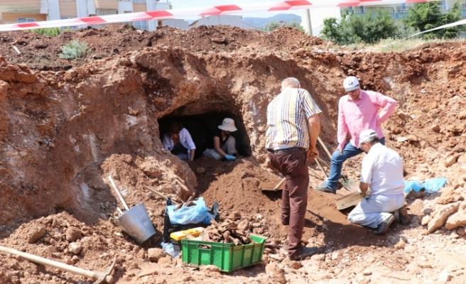 Larnaka'da kanalizasyon sistemi kazılarında arkeolojik bulgulara rastlanıldı