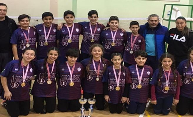 Ortaokullararası Yıldızlar Badminton Şampiyonası tamamlandı