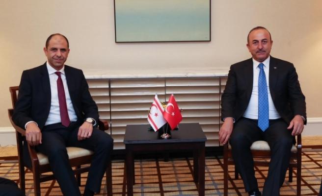 Özersay ve Çavuşoğlu'nun açıklamaları Rum Basınında