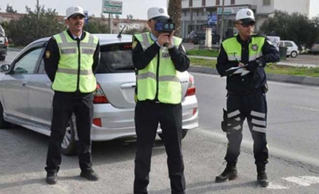 Polis 4 ilçede asayiş ve trafik denetimi yaptı