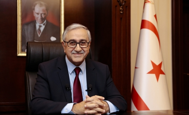 """""""Sanki Kıbrıs'ta çözüm için birçok seçenek var da..."""""""