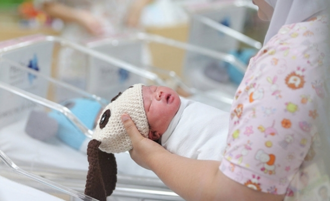 Tecavüze uğrayan 10 yıldır bitkisel hayattaki kadın doğum yaptı