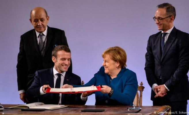 Yeni Fransız - Alman dostluk antlaşması imzalandı