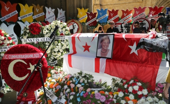 Aydın Denktaş için, bugün Selimiye Camii'nde cenaze namazı kılındı