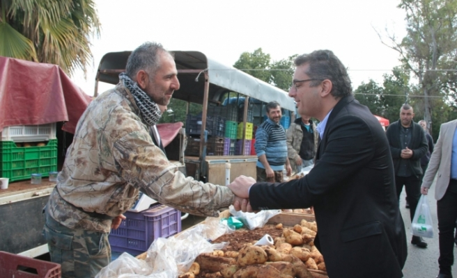 Başbakan Erhürman, Güzelyurt'ta halkla bir araya geldi