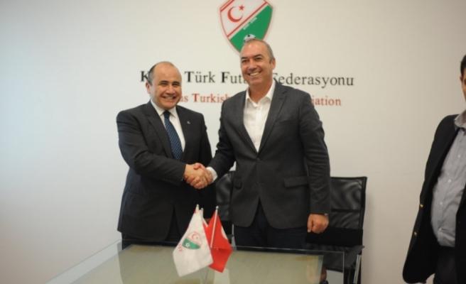 Büyükelçi'den Futbol Federasyonuna ziyaret