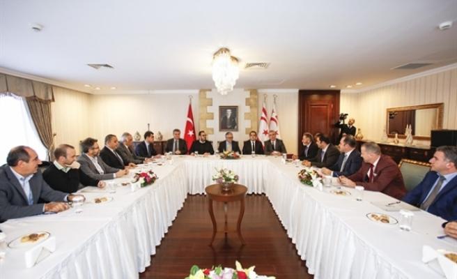 Cumhurbaşkanı Mustafa Akıncı, turizm sektörü temsilcileriyle bir araya geldi