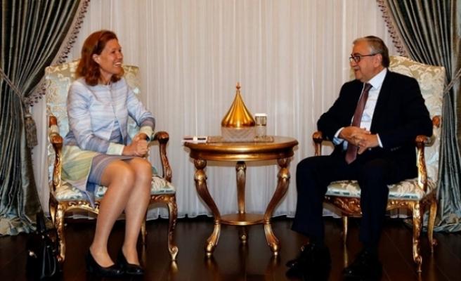 Hollanda Büyükelçisi'ni kabul etti