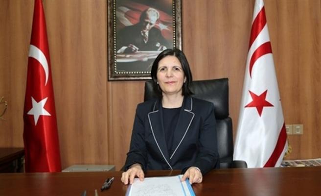 """""""Kıbrıs Türk halkının tek seçeneği olduğunu söylemek onu statükoya mahkum etmektir"""""""