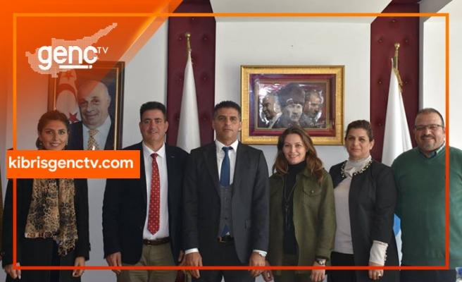 Lapta Yavuzlar Lisesi'nin idarecileri Fırat Atser'i ziyaret etti