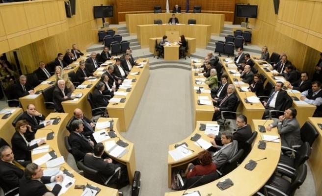 Rum Meclisi, ev sahipliği yapıyor
