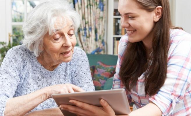 Yaşlıların 'yaşama sevinci' sosyal medyayla artabiliyor