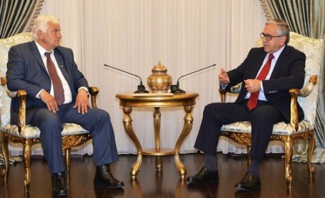 Akıncı, bugün Kıbrıs Türk İşçi Sendikaları Federasyonu'nu  kabul ederek görüştü