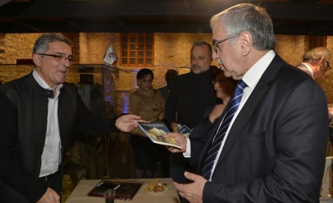 Akıncı, kitap tanıtım etkinliğine katıldı
