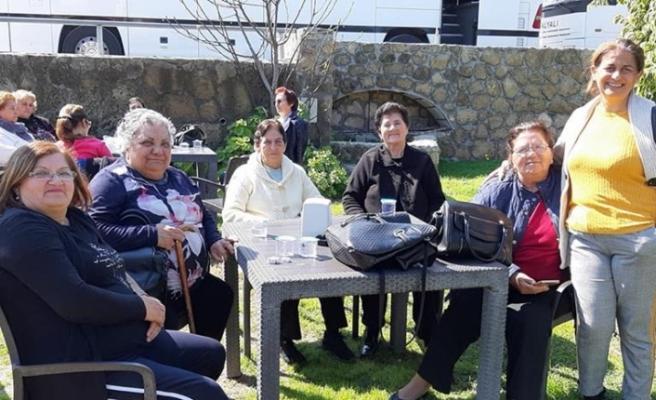 Alsancak Belediyesi, 60 yaş üstü kadınlara gezi düzenledi