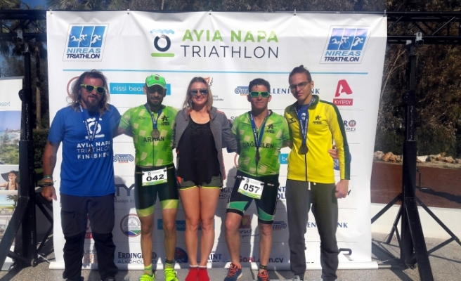 Ares triatloncuları Ayia Napa'da sezonu açtı