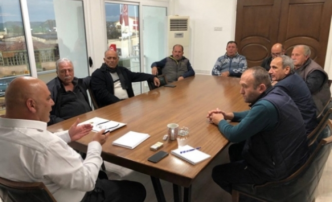 Cemil Sarıçizmeli,  Köy Muhtarları ile istişare toplantısı gerçekleştirdi
