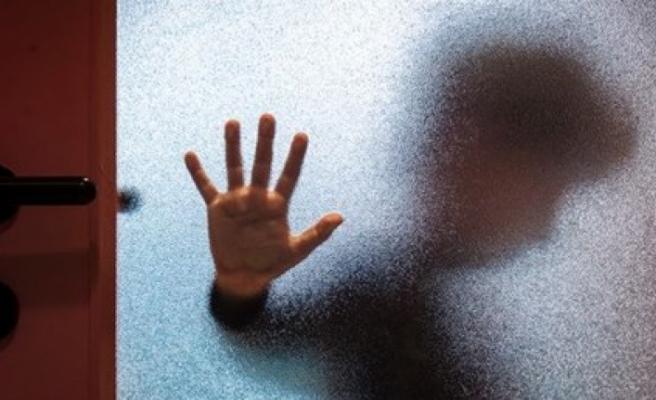 Çocuk koruma derneği başkanı oğlunu istismardan tutuklandı