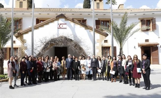 """Cumhurbaşkanlığı'nda, """"Kadın Olarak Var Olabilmek"""" konulu çalıştay düzenlendi"""