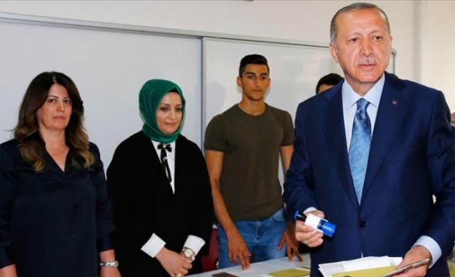 Erdoğan, oyunu kullandı